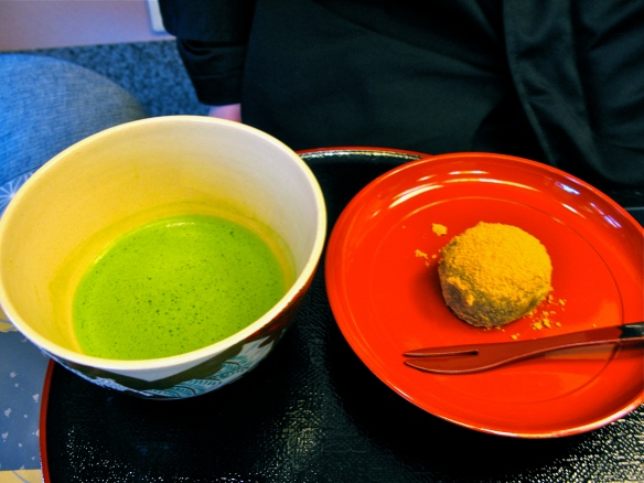 Matcha and kinako mochi